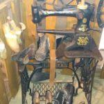 Machine à coudre du cordonnier - Écomusée du pays d'Auzon