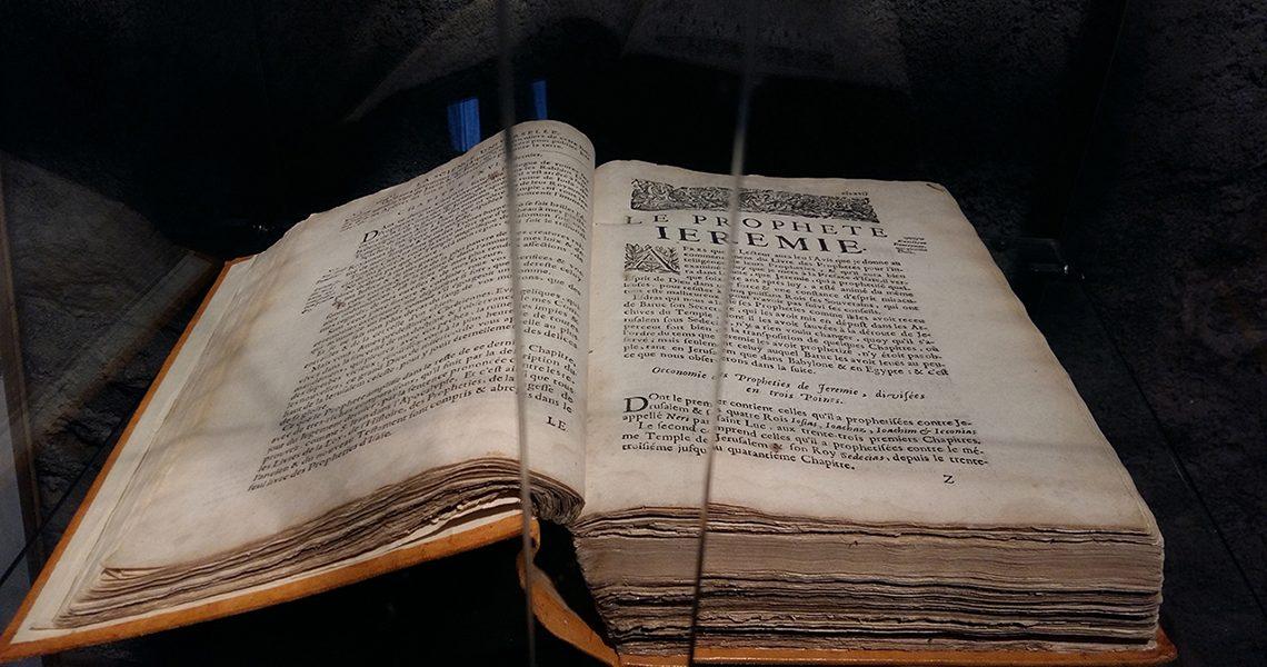 Bible ancienne Écomusée Auzon